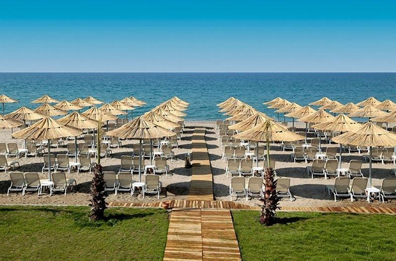 HEAVEN BEACH*****
