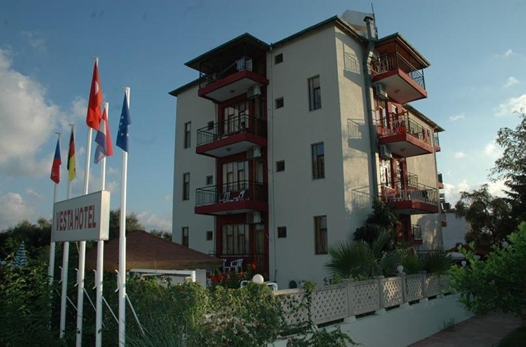 VESTA HOTEL***