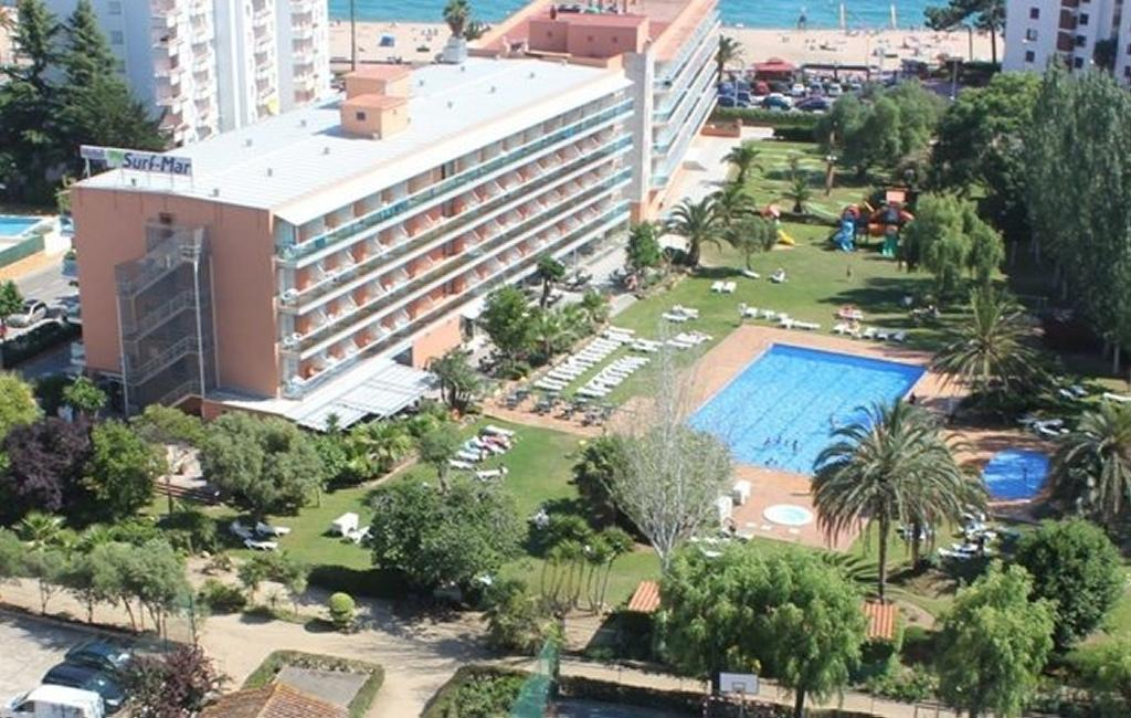 SURF MAR HOTEL****