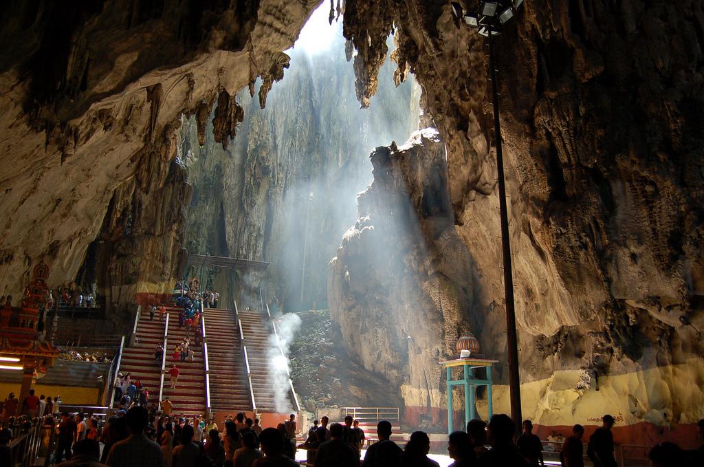 batu_caves2.jpg