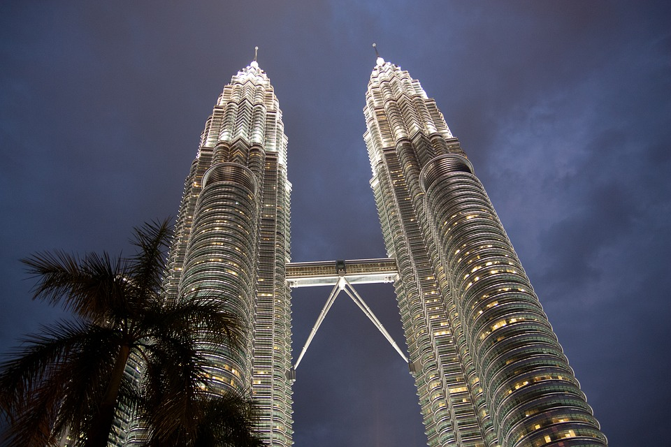​petronas-towers-1643952_960_720.jpg