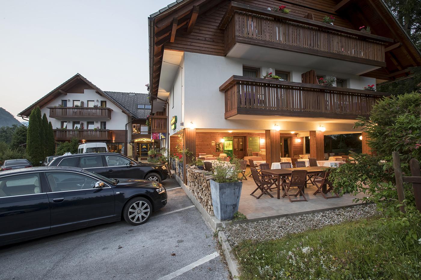 Hotel Kristal nyári terasz