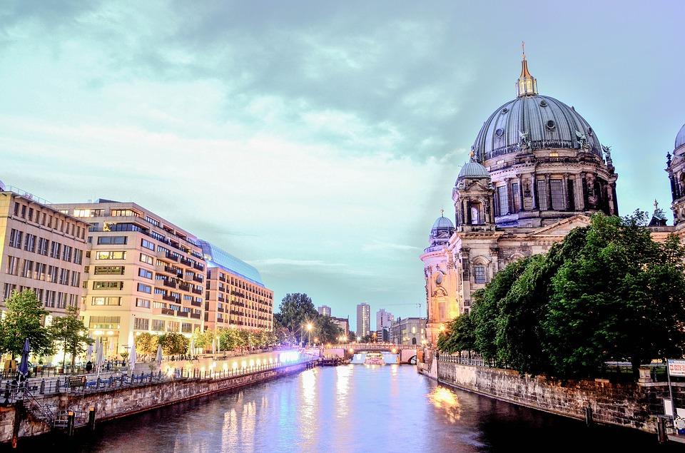 berlin ismerkedés szolgáltatások)